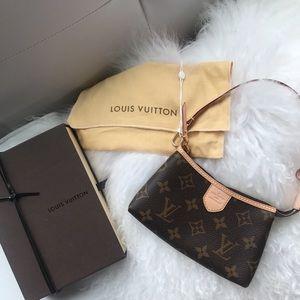 Authentic Louis Vuitton delightful mini pochette